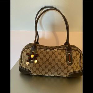Authentic Gucci Shelly line GG monogram